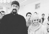 Стивен Сигал посетил Соборную мечеть в Москве (ФОТО)