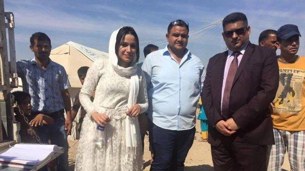 Молодожены из Ирака накормили 225 семей в день свадьбы