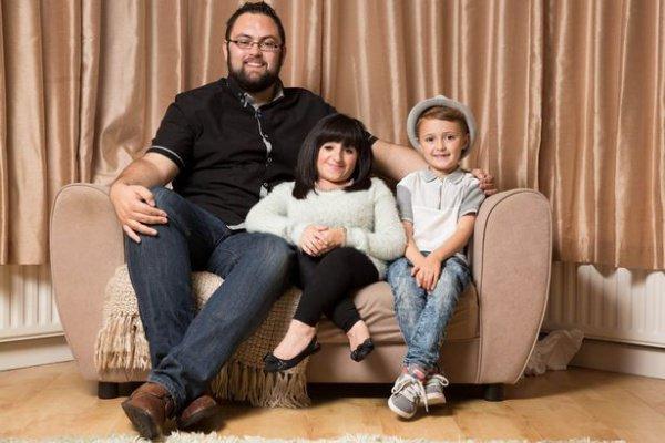 Аманда Файф с мужем и сыном.