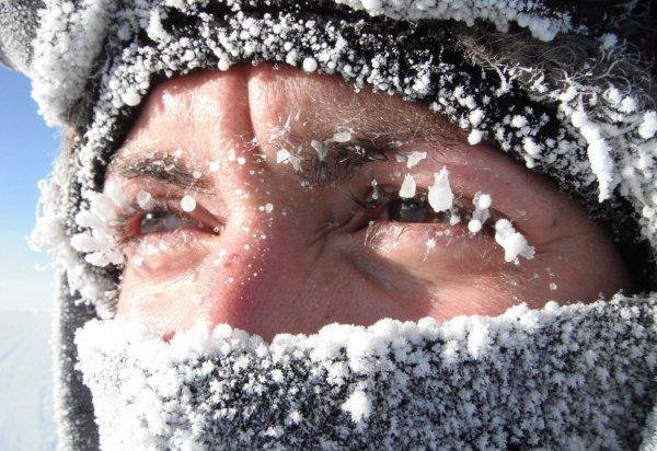 Холод может спровоцировать сердечно-сосудистые заболевания.