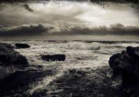 """""""Зло появляется на суше и на море по причине того, что совершают людские руки..."""""""