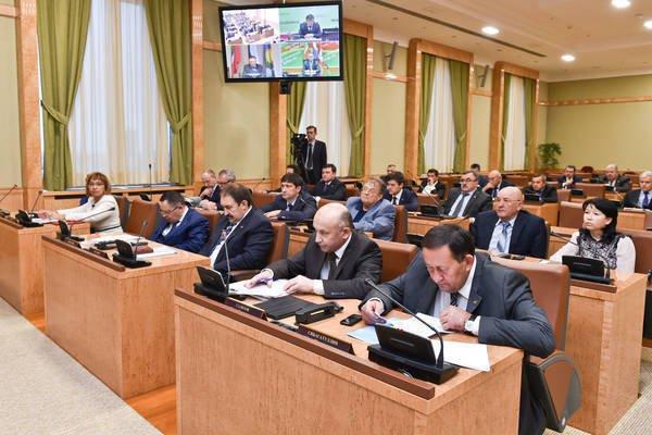 Ильдар Халиков провел совещание по вопросам ЖКХ с главами районов РТ.