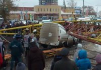 Задержаны виновные в падении башенного крана в Омске