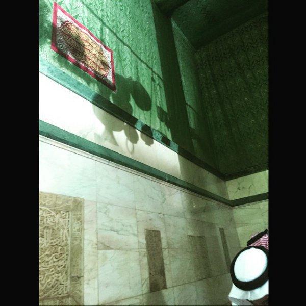Таких фото внутри Каабы вы еще не видели