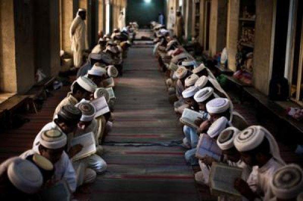 Подлинная скромность возникает как следствие понимания величия Аллаха и Его Качеств
