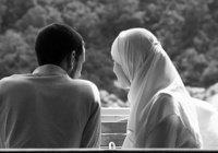 """Исламская линия доверия: """"Мой муж жалеет денег на меня и детей"""""""