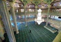 Московская соборная мечеть: вид изнутри