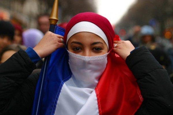 Политик подразумевает не только закрытие французских мечетей, но также и высылку некоторых приверженцев ислама из страны