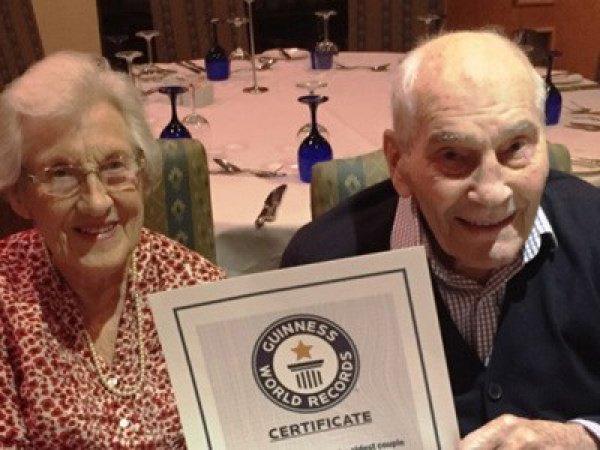 103-летний британец и его невеста стали самыми пожилыми молодоженами.