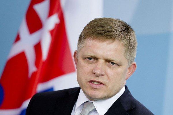 Премьер-министр Словакии сказал, что в связи с серией терактов в Париже правоохранительные органы страны «следят за каждым мусульманином»