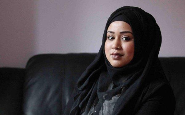 Мусульманская женщина, подвергшаяся расистским оскорблениям в поезде метро в Ньюкасле, поблагодарила представителей общественности, защитивших ее