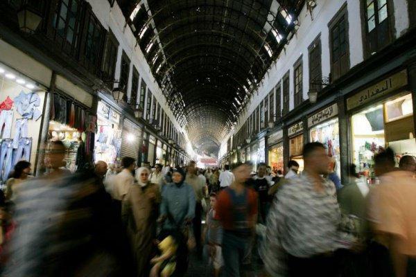 2006 г. Оживленный рынок в Дамаске.