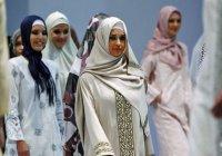 В Узбекистане составляют списки женщин, носящих платок