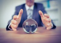 Как относиться к тем, кто может сказать нам что-то о нашем будущем?