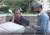 """""""Пожалуйста, скажи мне, где я могу найти Коран!"""" (Субтитры)"""