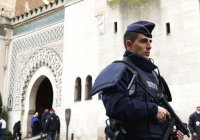 160 мечетей закроют во Франции