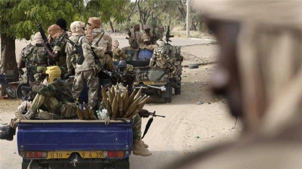 Вооруженные силы освободили 900 человек из пленников