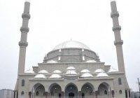 В Киргизии открылась самая большая мечеть страны