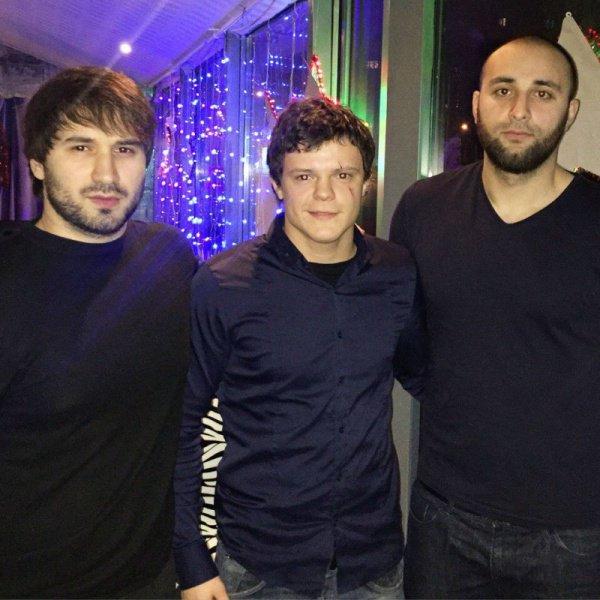 Русский парень рискнул жизнью за мусульманку в платке