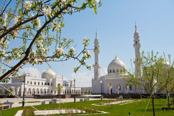 Татарстан, Великий Болгар, Белая мечеть