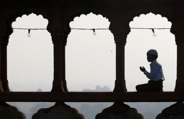 Верующий должен верить, что исход зависит только от Аллаха