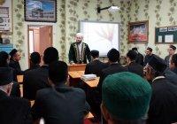 Муфтий РТ поздравил шакирдов Казанского медресе с Мавлид ан-Наби