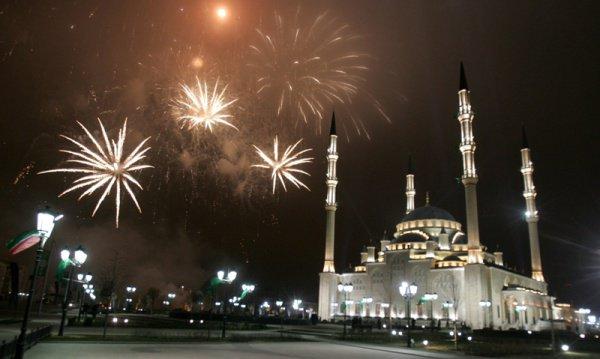 День рождения Пророка отмечает сегодня весь исламский мир.