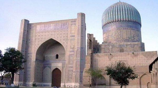 Соборная мечеть Биби-Ханым (Самарканд)