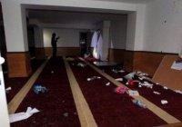 Вандалы разгромили мечеть на Корсике