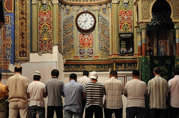 Помните об этом, когда собираетесь войти в мечеть