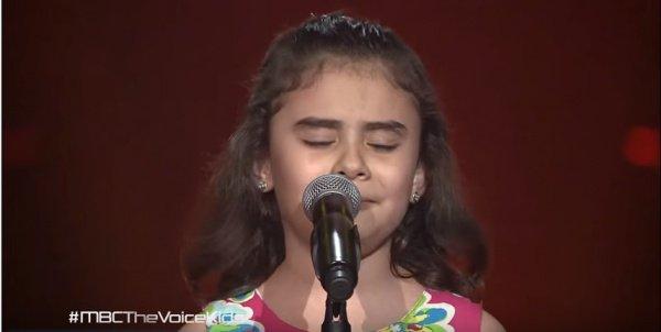 9-летняя сирийская певица заставила плакать миллионы человек.