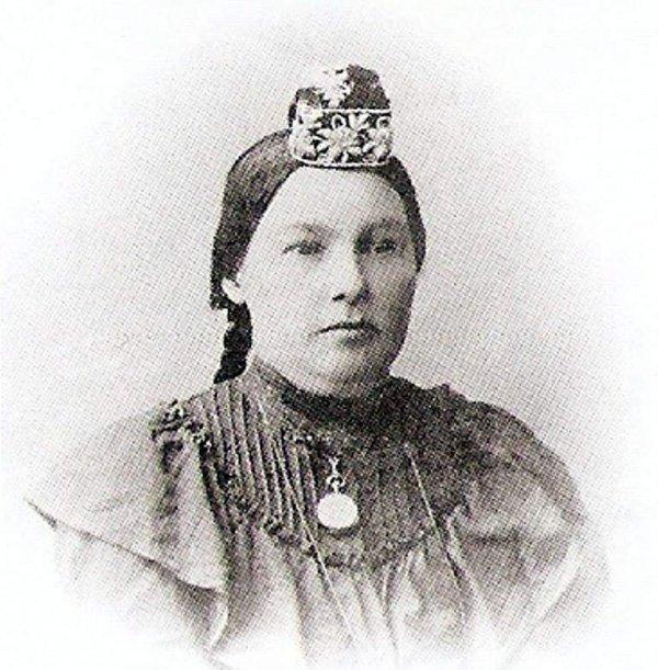 Мухлиса Буби, женщина-казый