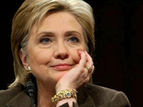 Хиллари Клинтон призывает мусульман на помощь.