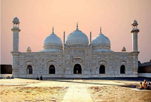 10 мечетей, которые перенесут вас в прошлое (+ Видео)