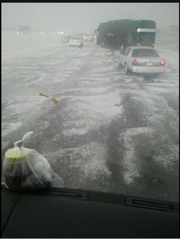 Снег на дороге из Мекки в Медину