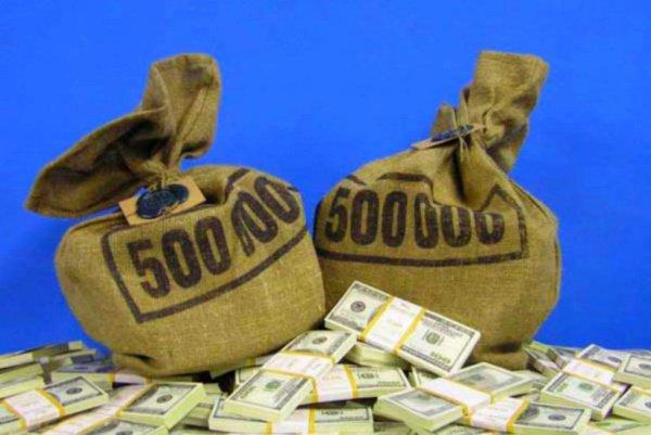 По словам Стива Уоррена, уничтожены «десятки миллионов долларов».