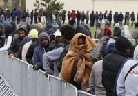 Автобус с высланными из Норвегии беженцами ждут в Мурманске