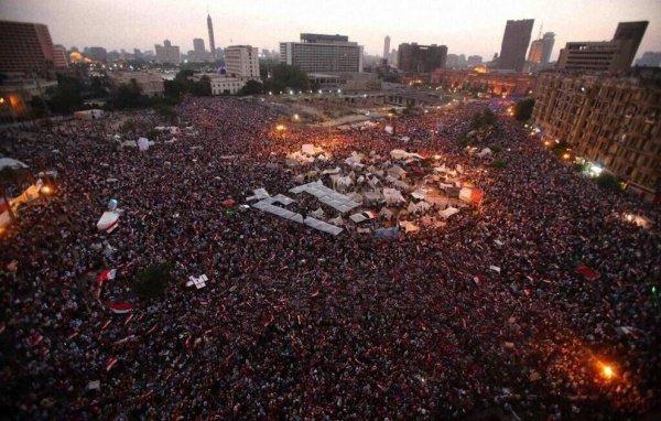 """""""Арабская весна"""" захлестнула страны Северной Африки и Ближнего Востока."""