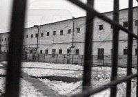 """Из тюрьмы Калифорнии сбежал опасный маньяк, второй """"Ганнибал Лектор"""""""