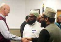 Американские мусульмане устроили межконфессиональный ужин