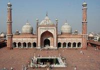 Мусульманки Индии судятся за право ходить в мечети