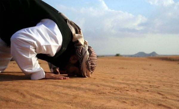 Во время намаза я очень быстро читаю Коран, нарушается ли в этом случае мой намаз?