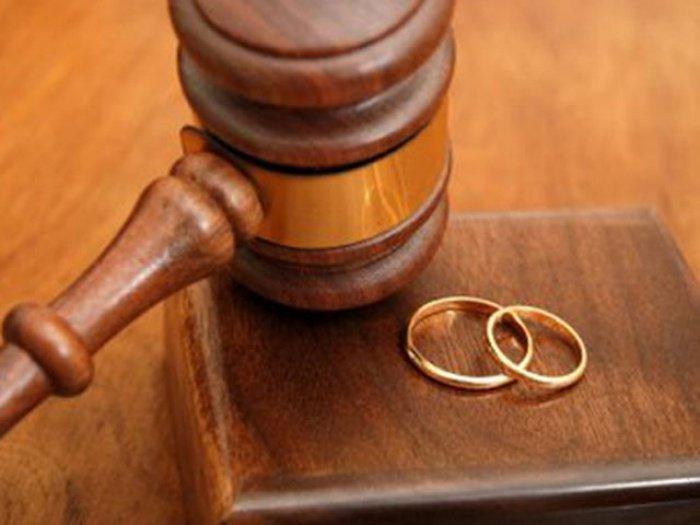 С кем по исламу должны оставаться дети после развода?