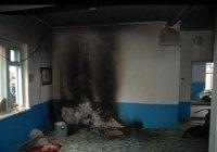 Мусульмане Крыма восстанавливают подожженную вандалами мечеть