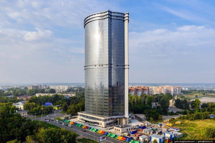 Жилой комплекс «Лазурные небеса» — самое высокое здание Казани.