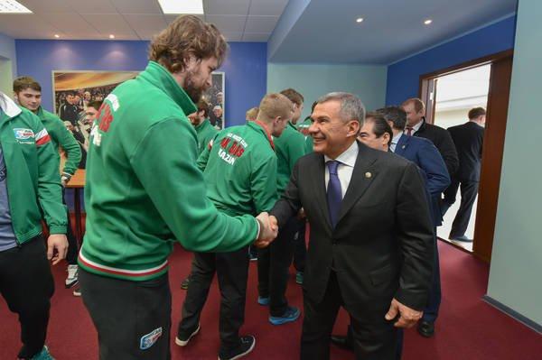 Рустам Минниханов встретился с игроками «Ак Барс».