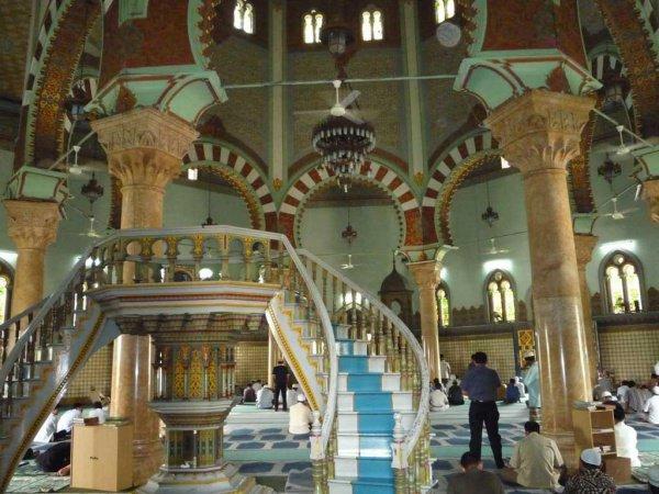 Мечеть Масджид Райя – главное сооружение в Медане