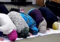 Британские школьники написали родителям о том, что приняли ислам