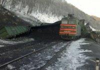 В Забайкальском крае поезд углем сошел с рельсов