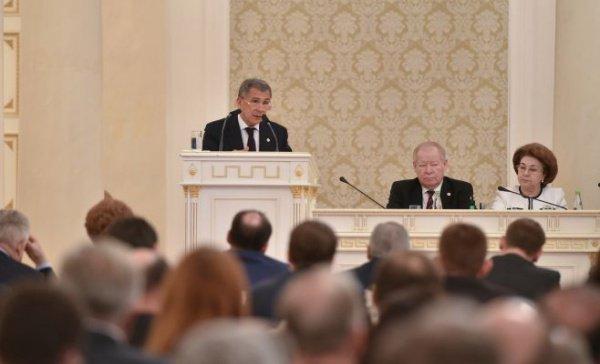 Рустам Минниханов в ходе выступления в Казгордуме.